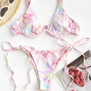 Cute pink bikini!